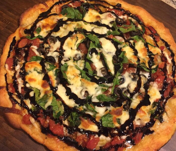 Want to make Family night or a Girls Night Easy? Make this Easy Veggie Pizza with Balsamic Glaze.