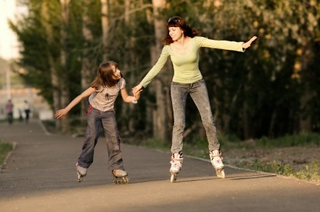 Roller Skating is Family Fun!!! Learn to keep your kids rolling Fun Free!!! #kidsactivities #skating #free99