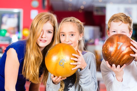 Do your kids love bowling? Make your plans to help them during Summer Break with Free Bowling!!! #kidsactivities #bowling #free99