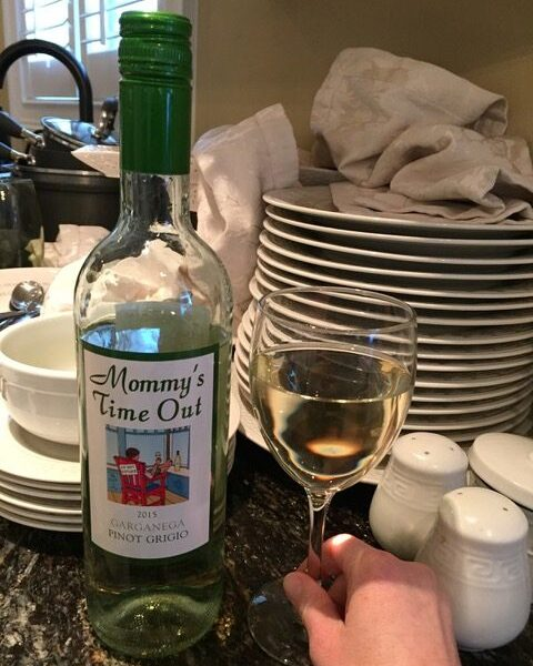 TIPS FOR TAKING THE STRESS OUT OF THANKSGIVING with Mommy's Time Out Wine!
