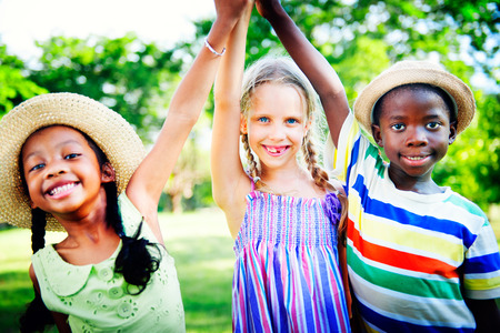 5 Tips on Teaching Your Kids to Navigate Healthy Friendships!