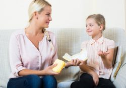 4 Important Tips To Teach Your Daughter When She Gets Her First Period!