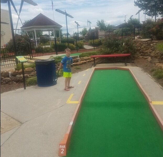SUNDAY FUN DAY AT PUTT-PUTT FUN CENTER with Mindy