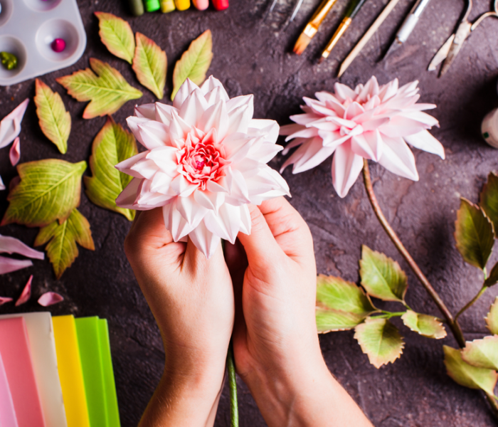 Different DIY Methods For Decoration With Artificial Flowers