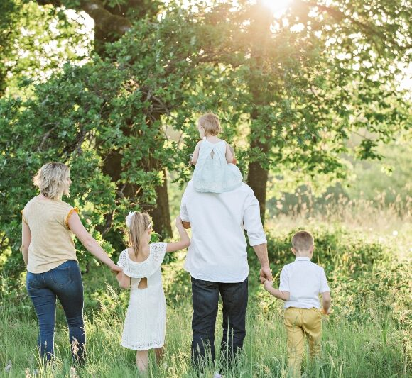 Safety First: Tips & Tricks for Preparing For a Summer Family Vacation