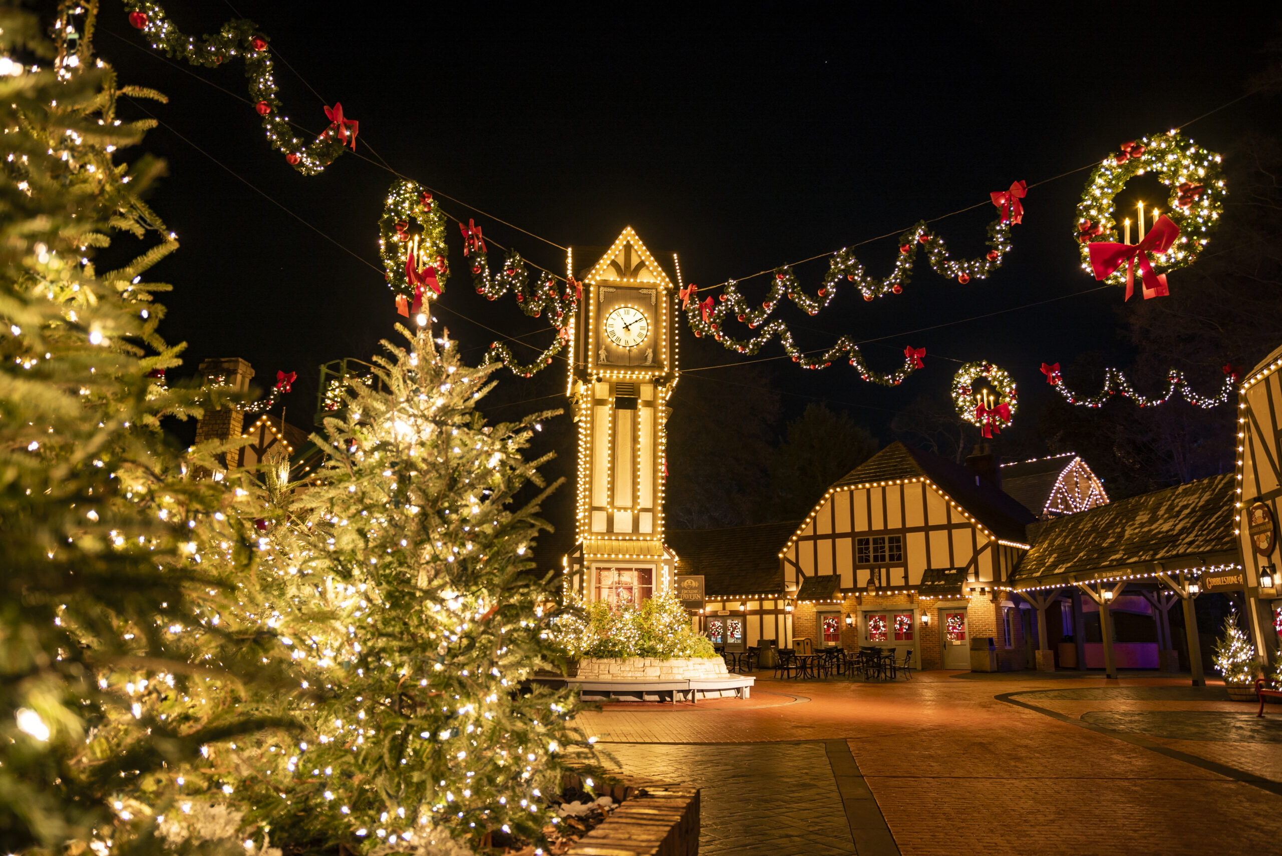 WRAP UP THE YEAR WITH SOME HOLIDAY CHEER AT THE ALL-NEW BUSCH GARDENS® CHRISTMAS CELEBRATION